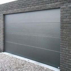 Porte sectionnelle à panneaux gris – FT Chassis