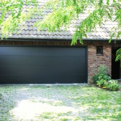 Porte de garage large noir – FT Chassis