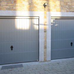 Double porte de garage avec serrure grise – FT Chassis