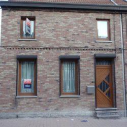 Exemple châssis PVC Kommerling imitation bois à Charleroi – FT Chassis
