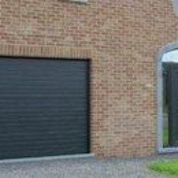 Porte de garage assortie à la porte d'entrée – FT Chassis